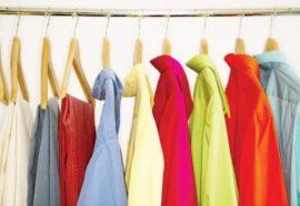 Korzyści płynące ze szkoleń merchandisingowych w branży odzieżowej