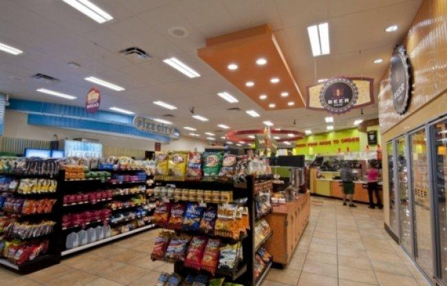 W ŚWIECIE MERCHANDISINGU: Co daje prawidłowe oświetlenie sklepu?