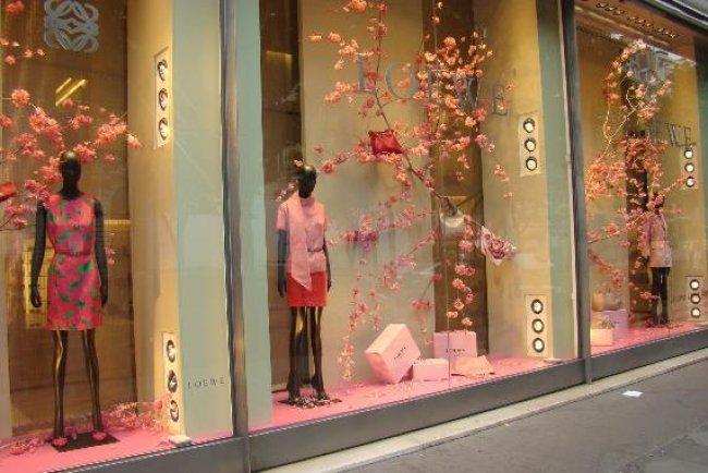 W ŚWIECIE MERCHANDISINGU: Tajemnica wystroju sklepów odzieżowych