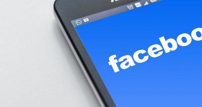 Zarządzanie stroną na Facebooku