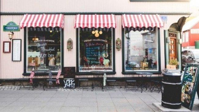 W ŚWIECIE MERCHANDISINGU: Rodzaje witryn sklepowych