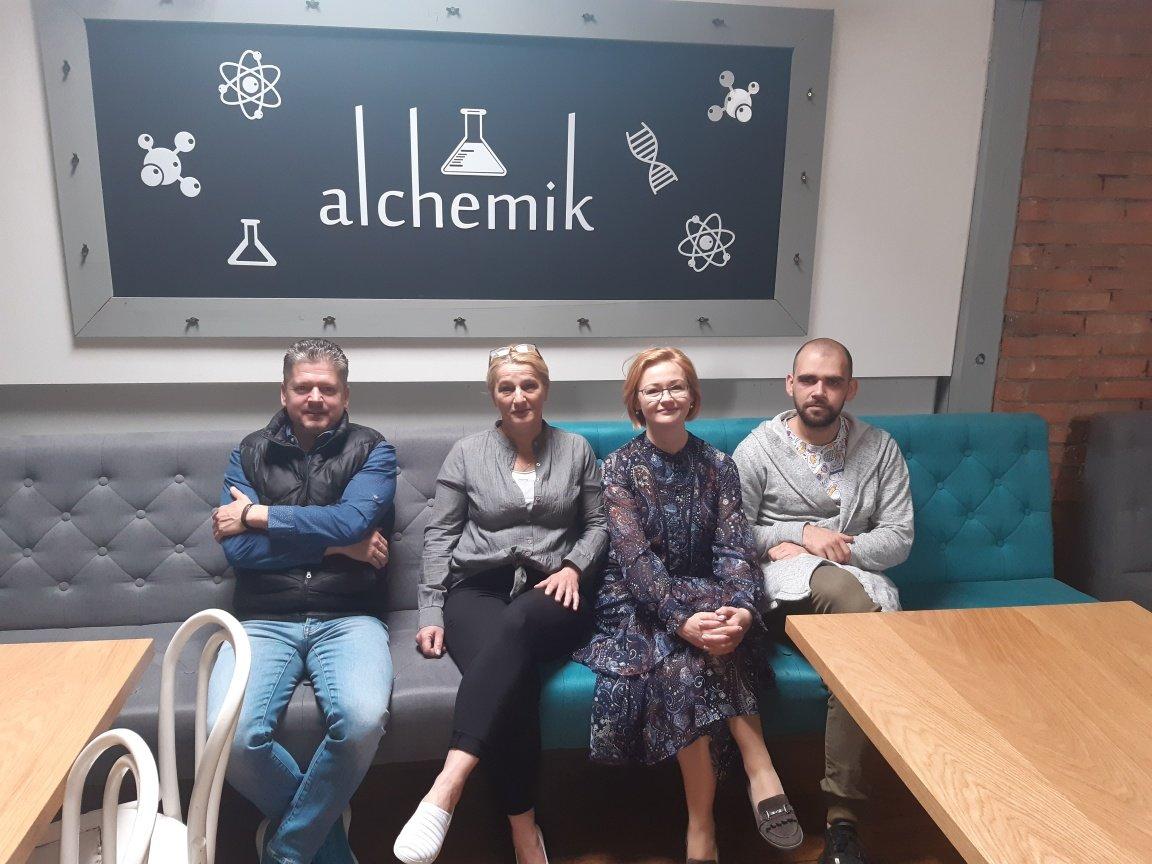 Cykl doradczy dla restauracji Alchemik: szkolenie obsługa barmańska, zarządzanie i obsługa klienta, RODO